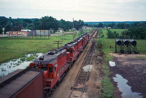 emd gp30 kansascitysouthern kcs lanagan locomotive missouri railroad train