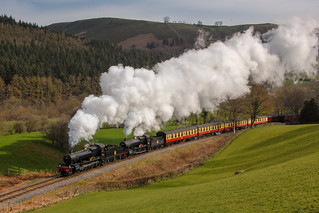 No.7822 Foxcote Manor & No.7820 Dinmore Manor storm up the Dee Valley with Festiniog Railway Society AGM Special