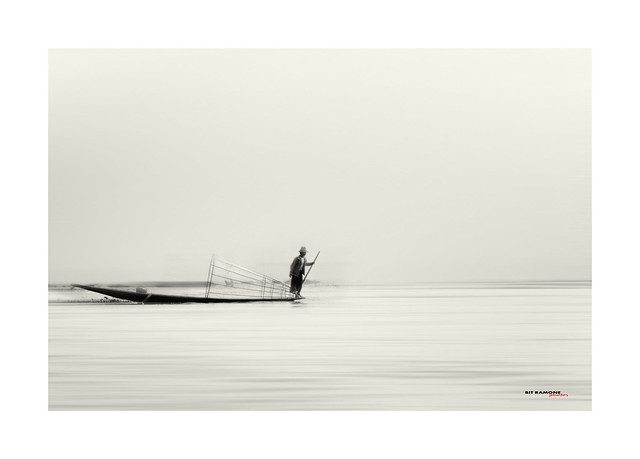 pescador en el lago Inle - Fisherman on Inle Lake