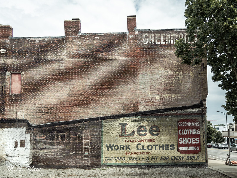 Lee Ghost Sign