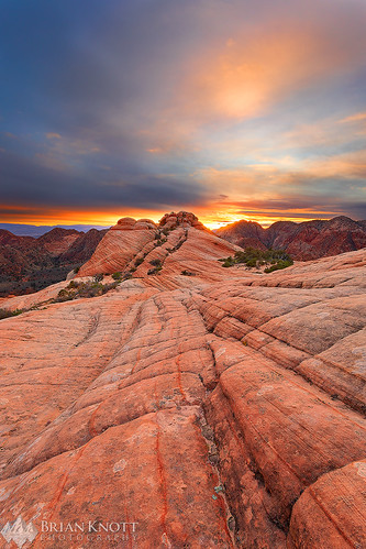 yantflat utah desert arizona zion zionnationalpark pattern texture design dragon sunset sunrise cloudy clouds butte mesa checkerboardmesa mountains leadinglines