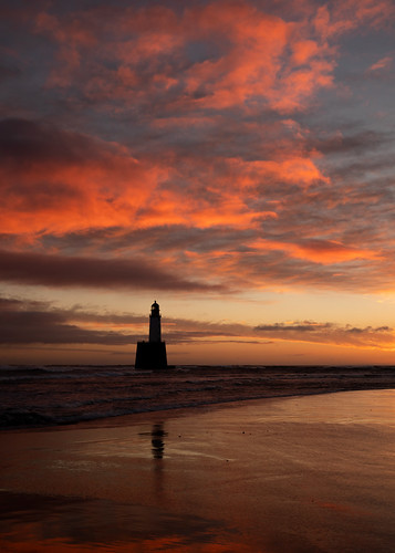 aberdeenshire rattrayhead lighthouse sunrise sunset red scotland sea sky sand beach water cloud canon canon5d eos