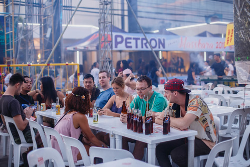 Foreigners eating outside a food stall, Bacolod City | by wuestenigel
