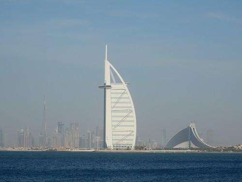 Dubai - Burj Al Arab vanaf de palm