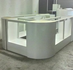 U-shape Display Kaunter