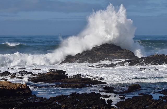 Wave at Bean Hollow State Beach