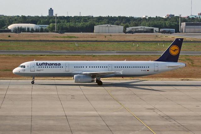 D-AISL Airbus A.321-231 Lufthansa Named Arnsberg TXL 31-05-08