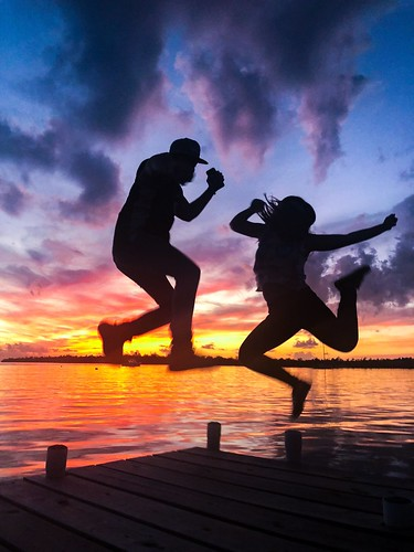 sunsetlover action thelastlight celebration happy jumping atardeceres sunsets