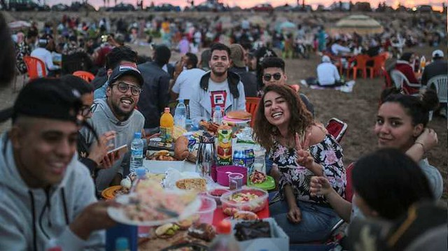 4838 How Moroccans break their fast in Ramadan with songs, dance, and Food (2)
