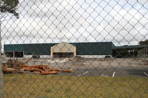 Demolishing the former Bunnings Warehouse store on Millers Road, Altona North