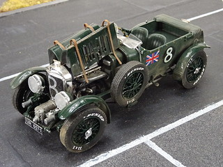"1:24 Bentley 4½ Litre ""Blower"" (Heller kit) with display box/base 