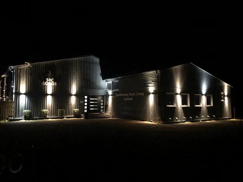 Building night photo