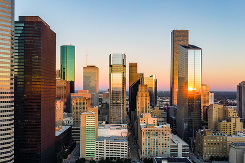houston htx htown houstontx hou houstontexas houstonskyline skyline downtown dthtx downtownhouston texas tx dji drone mavic mavicair quadcopter raulcano photography landscape sunrise morning early city cityscape