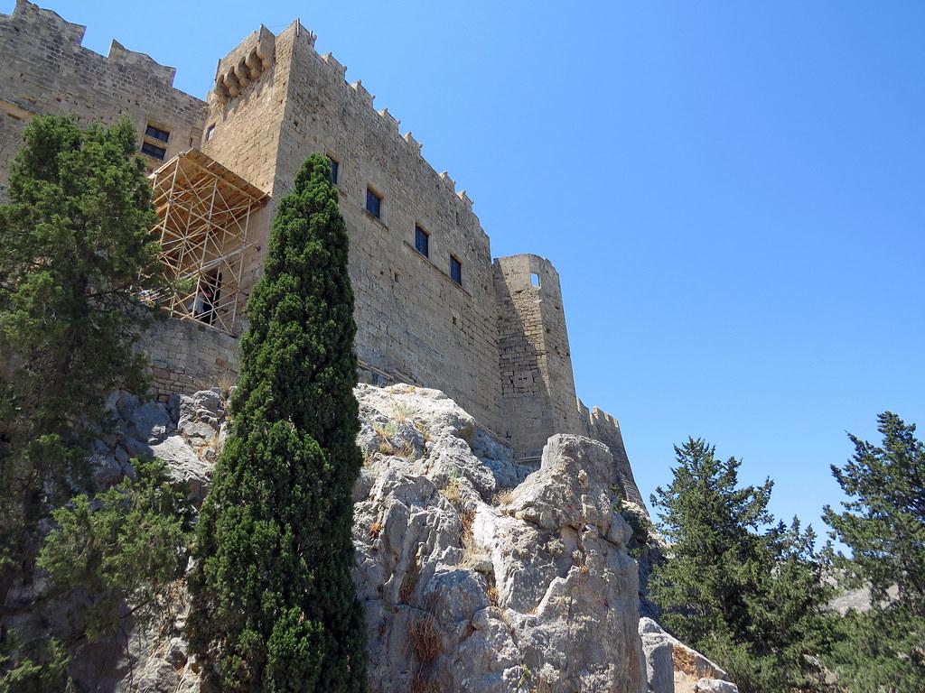 Средневековые главные строения
