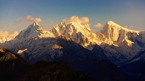 sony a7r3 a7riii 100400 landscape pakistan hunza hunzavalley karakoram karakorams duiker duikar karimabad baltit spantik goldenpeak mountain mountains alpine shadow shadows telephoto