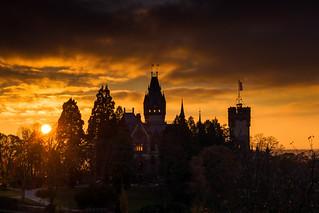 Schloss Drachenburg vor untergehender Sonne   by salomon10