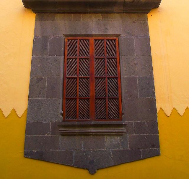 Las palmas gran canaria vegueta window shutter