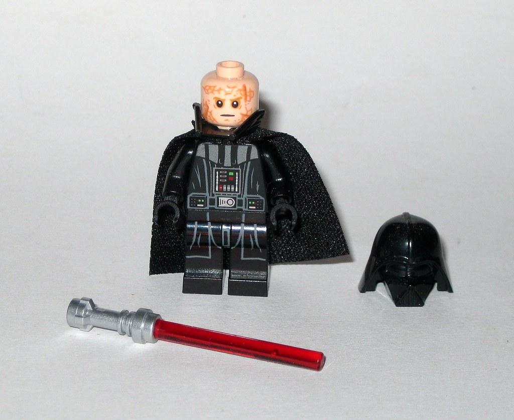 *NEW* Lego Minifig Star Wars DARTH VADER  with LIGHTSABER