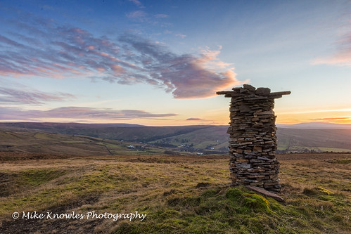 canon canon650d cumbria clouds ndfilter nenthead nentvalley mikeknowles hill hdr hills sunset tower stone cairn moors smallburnsmoor alstonmoor alston aonb winterlandscape valley smokestack