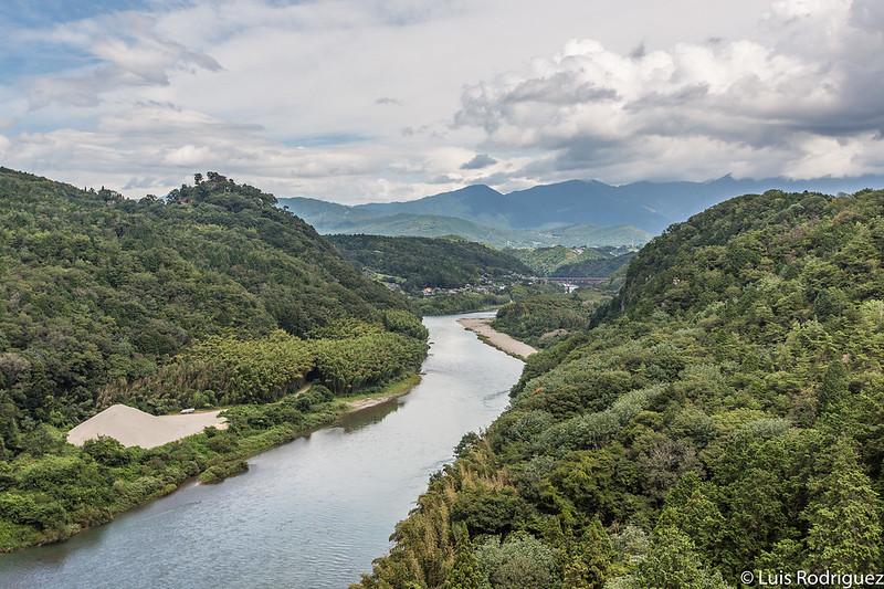 Vistas desde el puente sobre el río Kiso