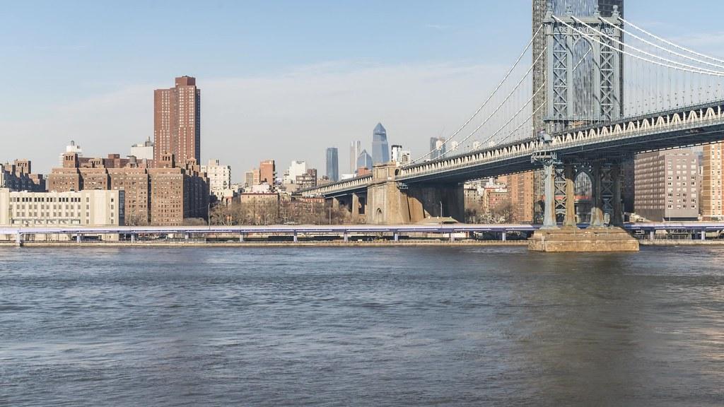 Manhattan Bridge Pan TL 122718 UHD with music
