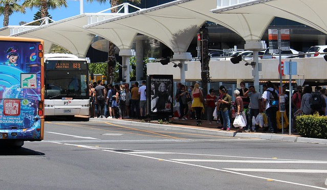 Queues for buses at Chadstone, Boxing Day 2018