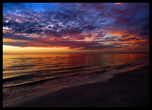 beach sunset saturated florida fortmyersbeach vacation colorful clouds gulf ocean