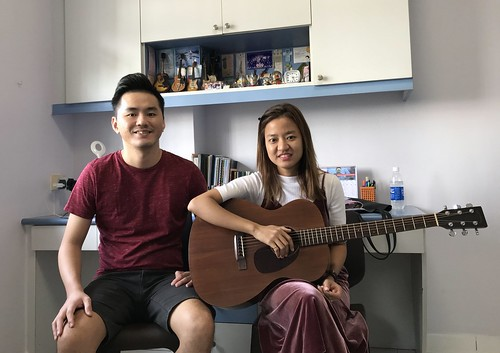 Guitar lessons Singapore Thida