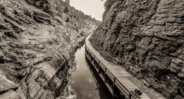 Paw Paw tunnel cut