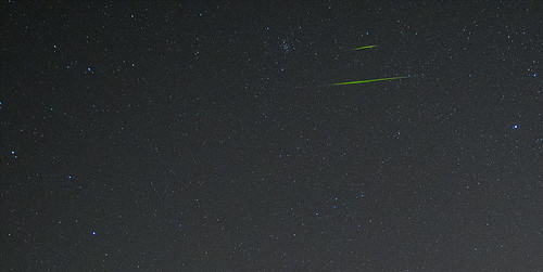 Double Leonid meteor a day before the peak two days | by eliot photos
