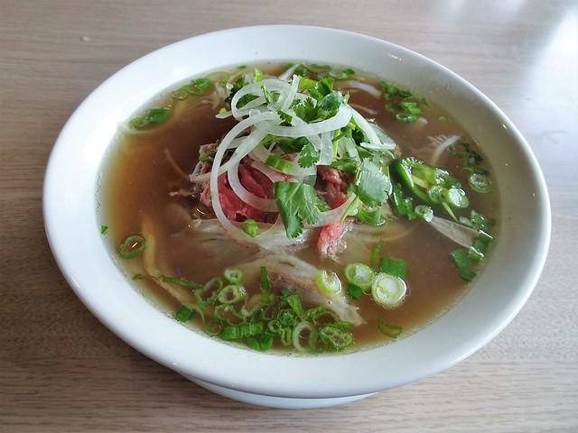 Pho Tai Gan Sach