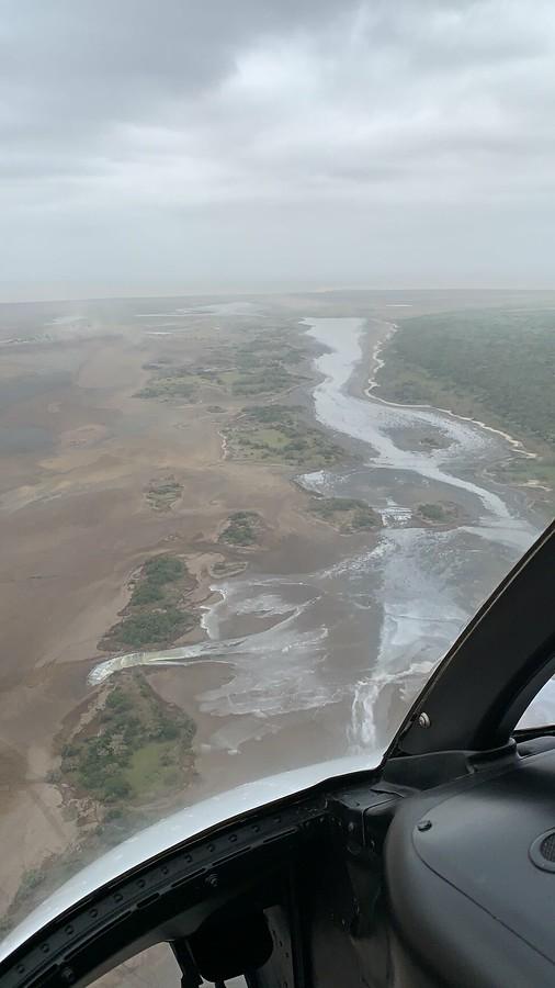 Flying Helicopter around Lagoa Chingute, Maputo, Mozambique #Matutine #Mosambik #Mozambique #Helicopter #Maputo