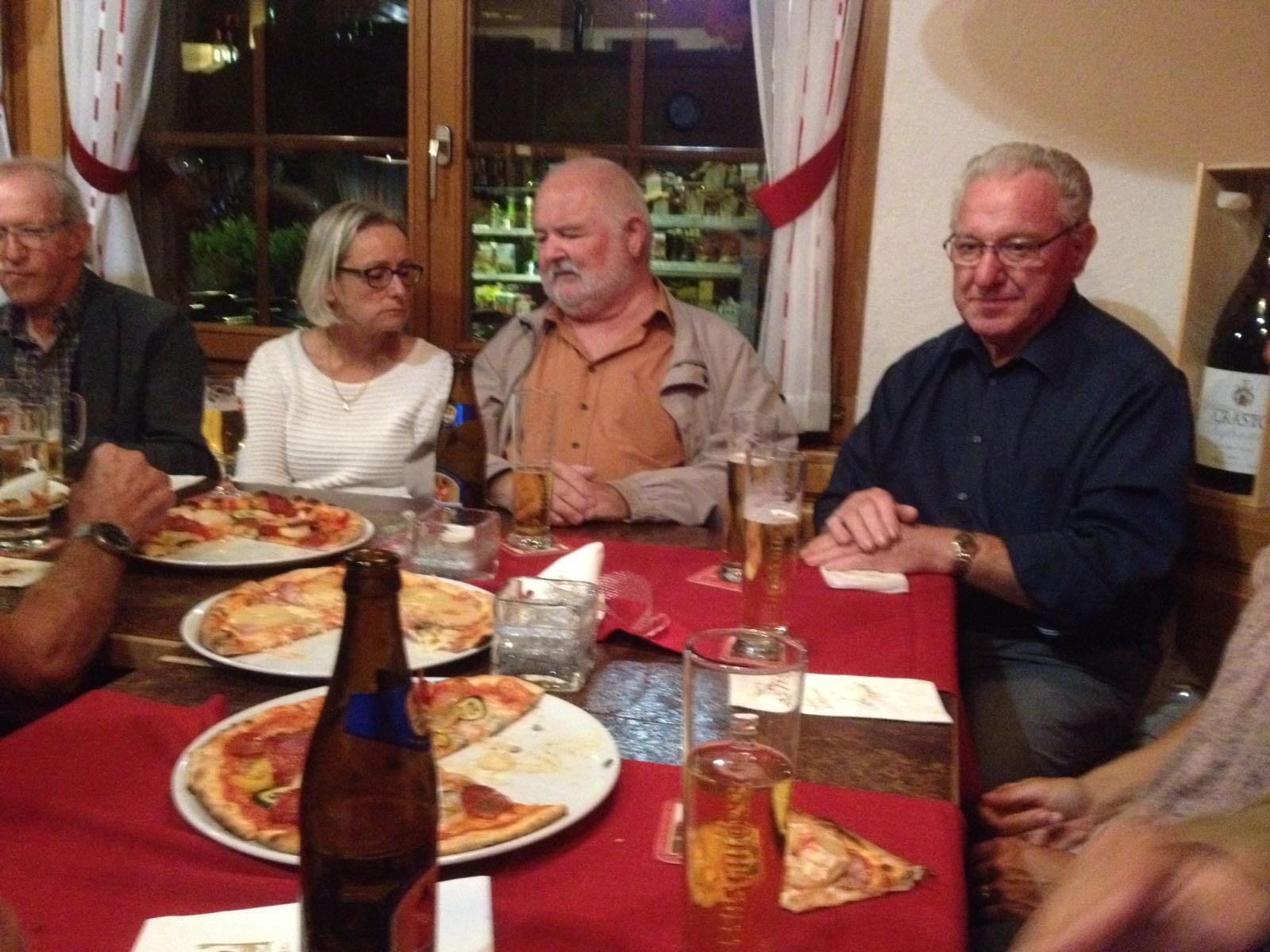 Pizza Essen im Restaurant Baumgarten in Alpnach (3.10.2018)