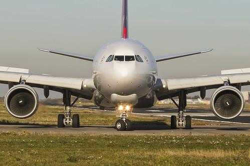 Turkish Airlines A332F TC-JOO   by Maarten Dols