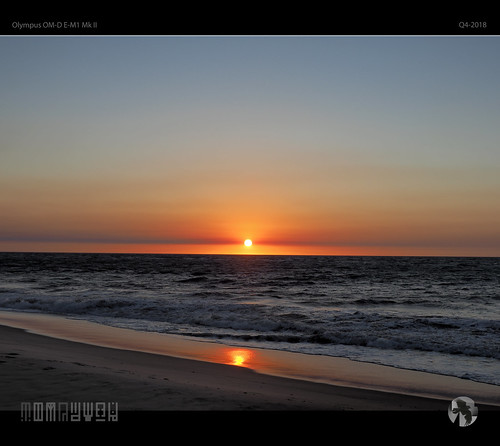 sunset sky clouds sun ocean horizon reflections surf sea aravenimage tomraven q42018 olympus em1mk2