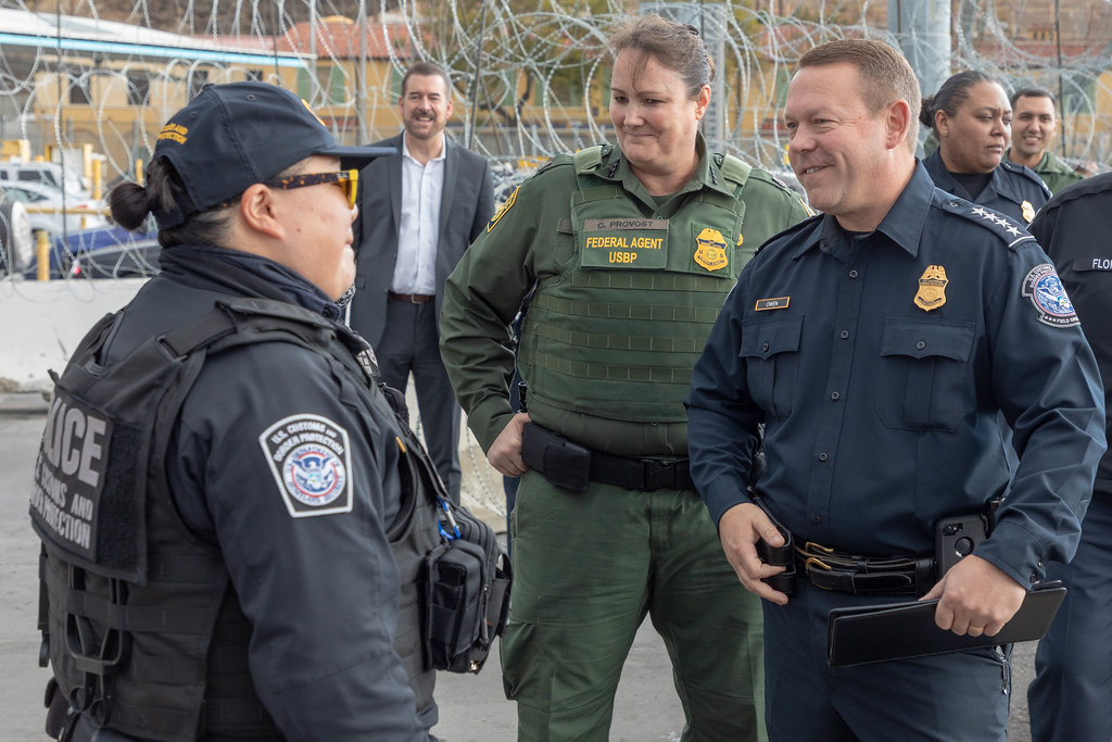 U S  Customs and Border Protection Executive Assistant Com