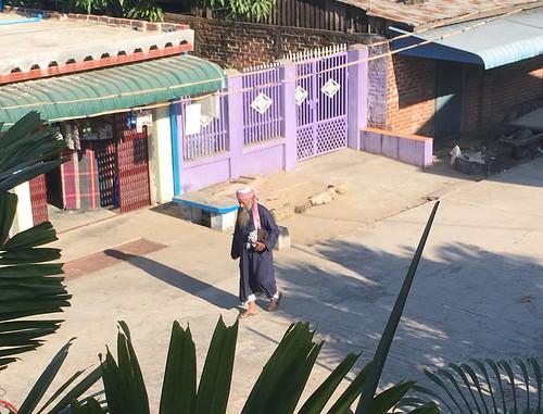myanmar burma ayeyarwadyregion ayeyarwady irrawaddy delta hinthadadistrict hinthada hinthadatownship hinthadatown streetscene