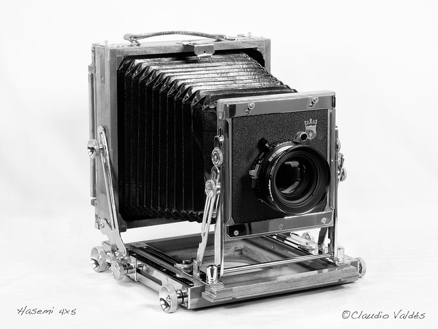 - Hasemi 4x5 wooden field camera (large Format)