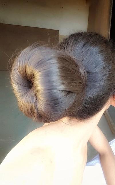 Hair #style #hairstyle #bun #donut  Big hair bun  Hair bun donut  تسريحة شعر الكعكة  كعكة شعر كبيرة  دونات الشعر