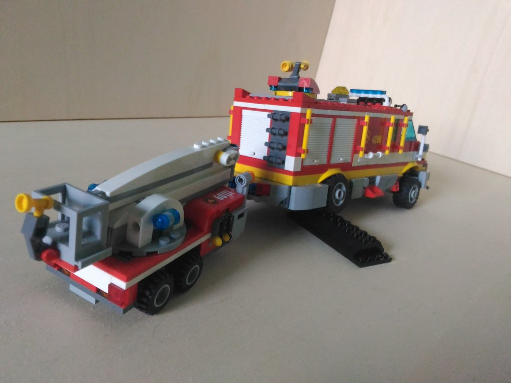 Off Road Fire Truck >> Lego Heavy Off Road Fire Truck Retriever With Trailer 4