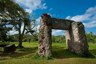 Le trilithon de Ha'amonga dans les iles Tonga   by Gersamicus