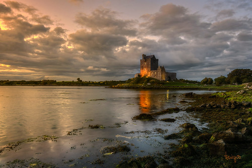 landscape landscapephotography ireland celtic seascape sea reflection reflejo galwaybay sunset cloudysky cloudy clouds castle