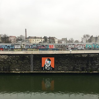 #latergram #brussels #grey #canal #streetart | by jonworth-eu