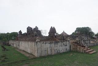 Goa Sunyaragi   by antonemus