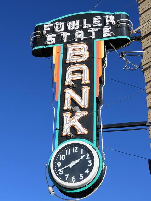 Fowler State Bank Clock Sign