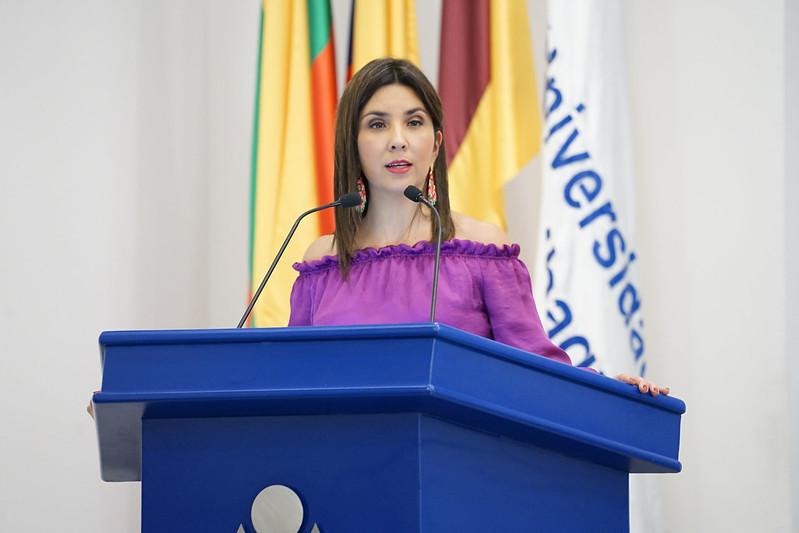 Ceremonia reconocimiento ministra - Universidad de Ibagué