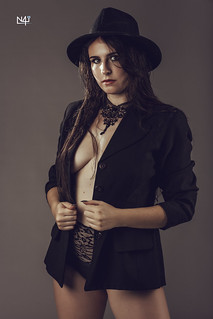 Sara - Black hat | by n4i.es