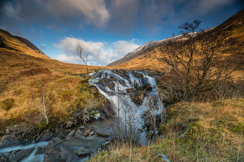 alltachaorainnmhoir waterfall ancaorannmor glenshiel ambathach scottishhighlands scotland schottland rio allt burn paysage landscape newyearsday 2019 paisaje landschaft ecosse escocia hills trees mountains heuvels collines colinas cluanie january hugeln invernessshire scenery scozia caledonia alba gordiebroonphotography earlymorning light scenic achralaig sonya7rmkii ilce7rm2 sonyzeiss1635f4lens clouds winter geotagged