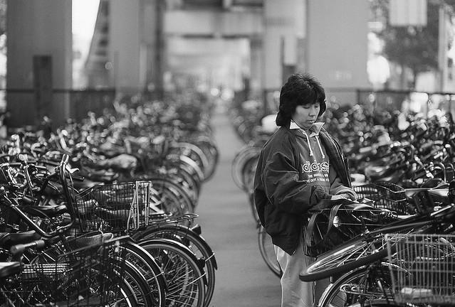 1/4 Orderly bike parking