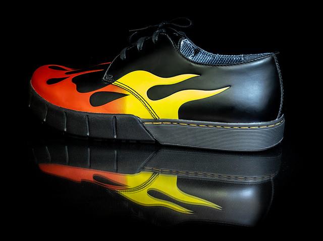 Dr Martens Bram flame. . .